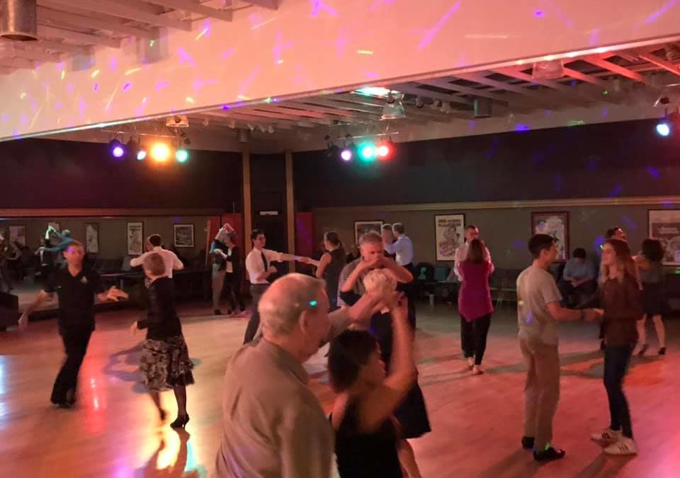 Get out there and DANCE! Top benefits to go out and dance!